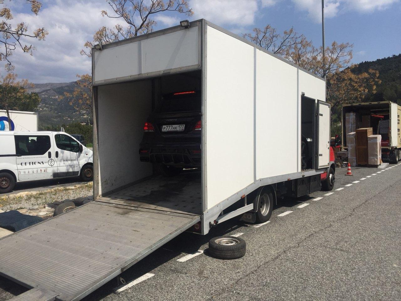 """Доставка автомобилей """"тюнинг ателье TopCar"""" на выставку в Монако"""