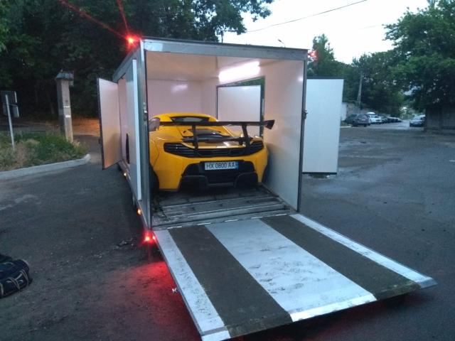 Доставка McLaren Киев-Кипр